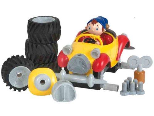 bandai oui oui fix and go monster truck la voiture de oui oui en mode sur lev e france jeux. Black Bedroom Furniture Sets. Home Design Ideas